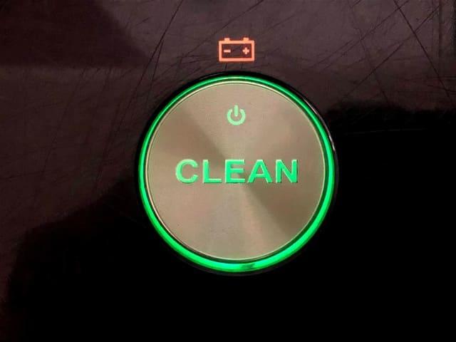 るんば本体 CLEANボタン